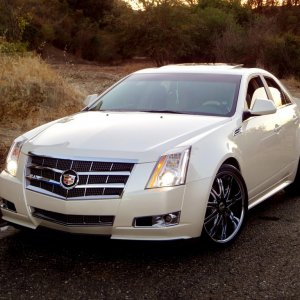 2010 Cadillac CTS Performance White Diamond