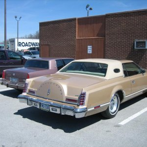 1988 Eldorado and Gold Continental           note ....  overall length