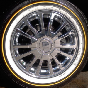 225/60/16. I assume these are not the original rims for my year by the updated logo. I wish I knew what year/model these wheels came on. They look goo